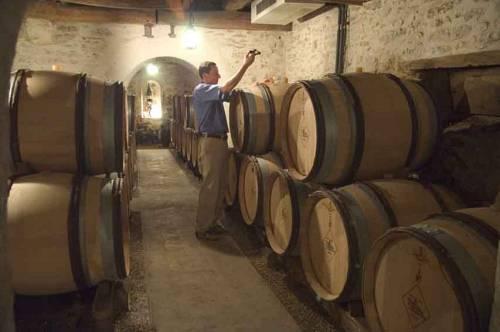 Antoine_Vincent_samples_05_in_Ch_de_Fuisse_cellars_0051.jpg