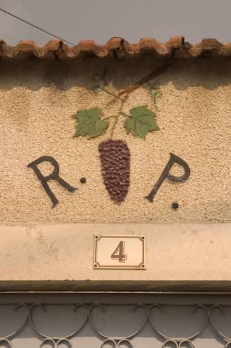Ramonet_doorwayChassagne-Montrachet0107.jpg